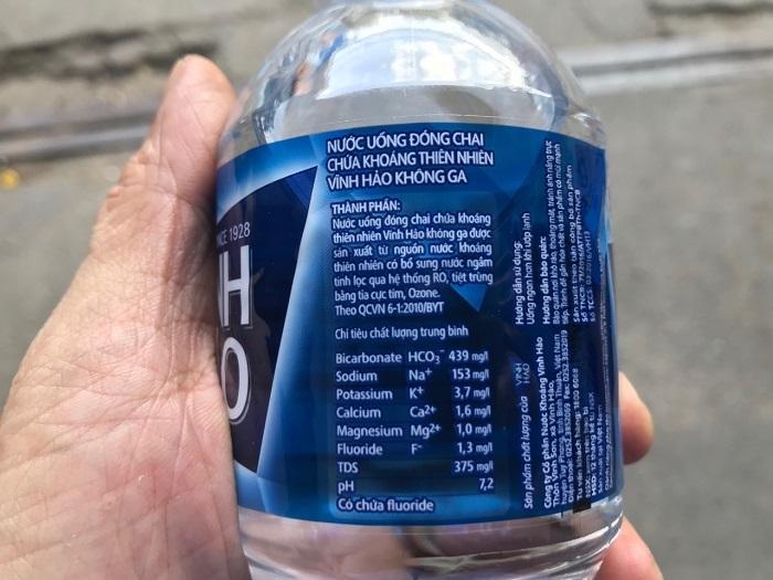 uống nước khoáng có bị sỏi thận