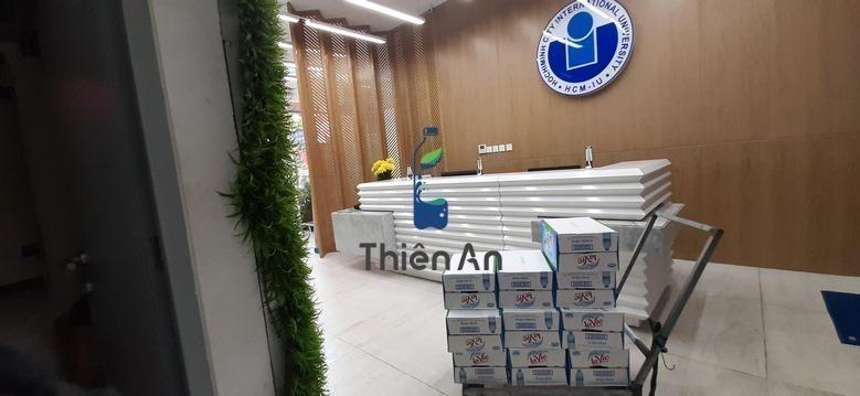 (Hình ảnh) Giao thùng nước Lavie 350ml tại Trường Đại học Quốc Tế, 234 Pasteur, Phường 6, Quận 3, Hồ Chí Minh
